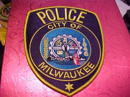 MILWAUKEE WISCONSIN HORSE BLANKET POLICE PATCH UNUSED BIG 6 1/4 X 5 INCH