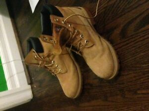 youth size 7-Timberland boots