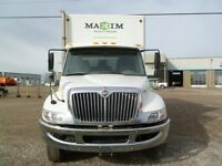 2013 International 4300 4x2, Used Dry Van