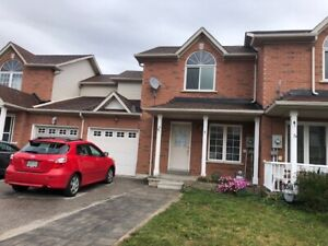 Barrie, 3 Bedroom North End, with a finished basement