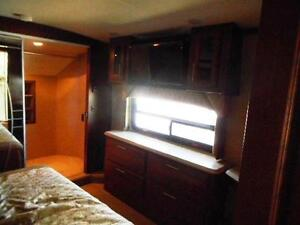 2013 TRILOGY 2850 D3 LUXURY FIFTH WHEEL Edmonton Edmonton Area image 14