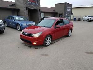 2009 Ford Focus SE Coupe *LOW MILEAGE, VERY CLEAN, GREAT ON GAS*