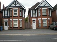 TWO LOVELY ROOMS AVAILABLE, ONE LARGE DOUBLE, AND ONE MEDIUM STUDIO ROOM ON ASHLEY RD PARKSTONE,