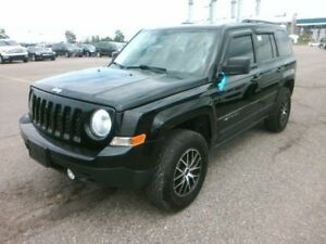 2014 Jeep Patriot North / 4x4 / NO PAYMENTS FOR 6 MONTHS !!