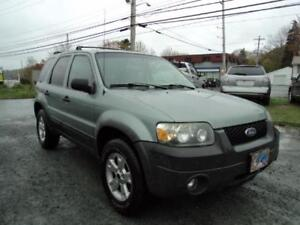 GREAT SHAPE! Ford Escape XLT 4WD, SUNROOF , NEW MVI +WARRANTY