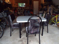 Laminate table Dining Set (4 chairs) in great condition