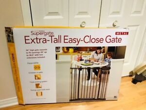 """North States 38.5"""" Extra-Tall Baby Gate / Barrière pour bébé"""