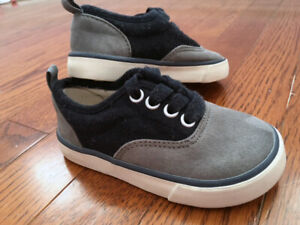 Gap shoes for Toddler (Size 6) New