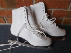 Girls Size 6 Figure Skates - LIKE NEW