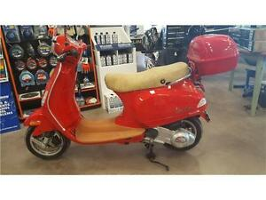 CLEARANCE PRICED - Piaggio Vespa Scooter - MINT CONDITION!!