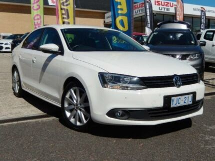 2012 Volkswagen Jetta 1KM MY12 118 TSI Comfortline White 7 Speed Auto Direct Shift Sedan