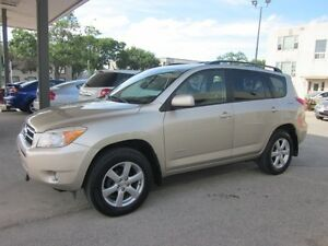 2008 Toyota RAV4 Limited 4 cyl AWD SUV only 155,000k  $10800