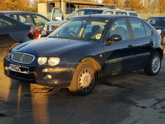 Rover 25 O/S Front Wing In Blue Breaking For Parts (2004)