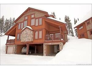 5 bedroom, 3 bath home in Big White available