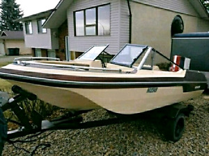 EDSON TriHull 16ft boat has a 120HP motor
