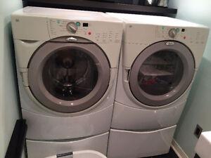 Laveuse et sécheuse Whirlpool Duet 200$