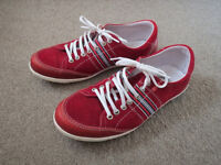 Stylish mens casual shoes, red, 42 (made in Spain), leather upper, worn twice, pet/smoke free home