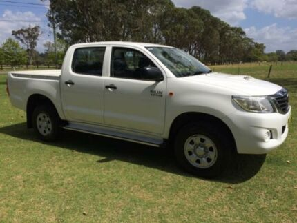 2013 Toyota Hilux KUN26R MY12 SR (4x4) White 4 Speed Automatic Tuggerah Wyong Area Preview