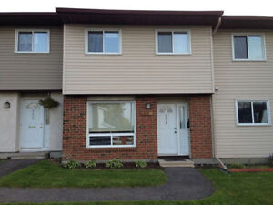 Beautiful well kept townhouse for rent in Greenboro