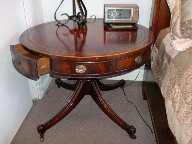 "Vintage Mid-Century Heirloom Weiman Round Leather Top Inlay Drum Table 32""Dx25""H"