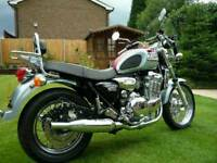 Triumph thunderbird 900