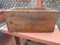 Vintage Wood Crate..........Timmins Delivery