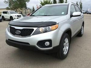 2013 Kia Sorento LX FWD Heated Seats,  A/C,