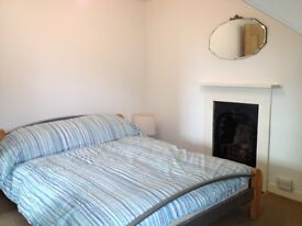 Double room to rent near Stoke village