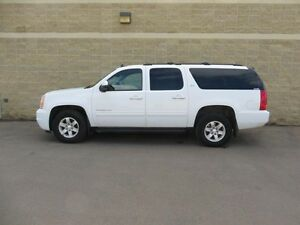 2012 GMC Yukon XL SLT w/1SD, 5.3l V8,LEATHER, SUNROOF, 8 PASS