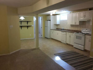 NEWER ONE BEDROOM NEAR WHYTE AVE AND BONNIE DOON MALL