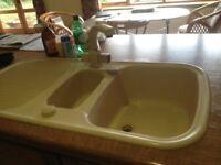 2 ceramic kitchen sinks and taps. Cream/mushroom shade.