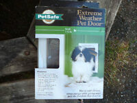 NIB PetSafe Extreme Weather Small Dog Large Cat Pet Flap Door