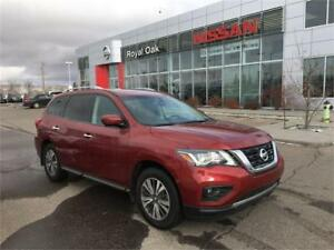 2017 Nissan Pathfinder SL Technology **SAVE FROM NEW**