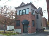 4 Bed+Den Apartment in Sandy Hill w/ Private Deck!