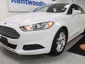 2015 Ford Fusion SE with keyless entry, back up cam, power drive