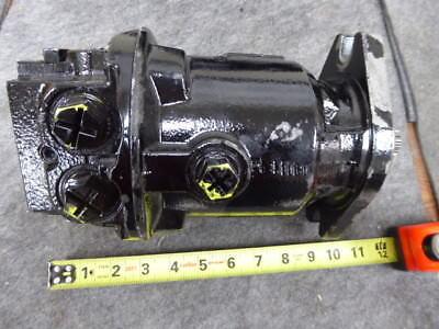 (Poclain Hydraulic Piston Pump 7015450011)