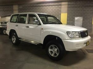 2000 Toyota Landcruiser FZJ105R GXL White 4 Speed Automatic Wagon Campbelltown Campbelltown Area Preview
