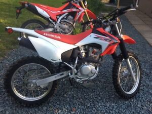 2015 CRF230F LESS THEN 4 HOURS RIDING TIME