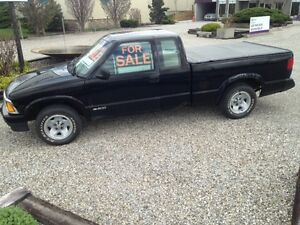 1996 Chevrolet S-10 extended cab Pickup Truck