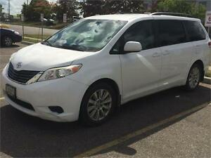 2011 Toyota Sienna LE AWD with Leather