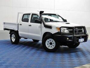 2005 Toyota Hilux KUN26R SR (4x4) White 5 Speed Manual Dual Cab Chassis Jandakot Cockburn Area Preview
