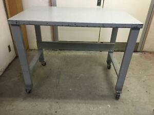 Work Bench / Work Table, all metal with 4 swivel casters