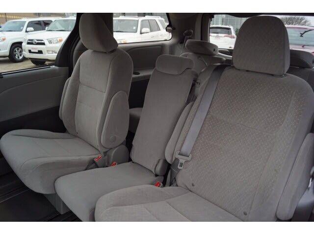 Image 8 Voiture Asiatique d'occasion Toyota Sienna 2020