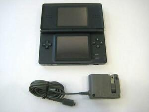 ****BLACK NINTENDO DS LITE NOIR + JEUX/GAMES(MARIO, ZELDA, POKEMON, DONKEY KONG, LEGO, NINTENDOGS) A VENDRE/FOR SALE****