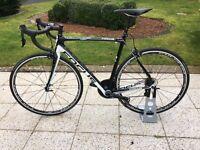 Focus Izalco Pro Bike - Carbon Frame, brand new 105 groupset, Fizik finishing kit & Fulcrum 5 wheels