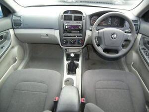 2006 Kia Cerato LD MY06 EX Manual Hatchback Nailsworth Prospect Area Preview