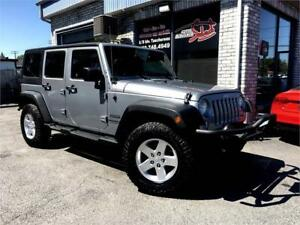 2014 Jeep Wrangler Unlimited Sport 4X4 **2 TOITS**