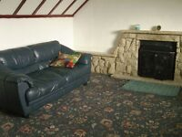 2 BEDROOM UPSTAIR FLAT FOR RENT FULLY FURNISHED - IN MOVE IN CONDITION