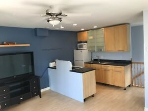2 level apartment in porters lake avail oct 1