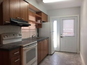 $1500 / 1br - SPACIOUS 1 + Den Apartment @ Dufferin & St Clair